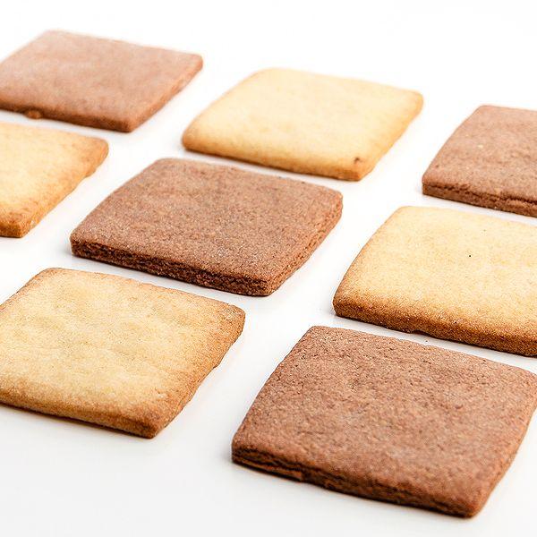 Bases para pasteles de pasta brisa y crema chocolate de tamaño 6x6 cm